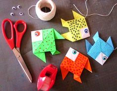 Origami Flowers 352758583315827431 - Source by clliasassolas Poisson D'avril Origami, Diy For Kids, Crafts For Kids, Homemade Stamps, Diy And Crafts, Arts And Crafts, Girl Scout Leader, Origami Animals, April Fools
