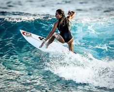 Surfing holidays is a surfing vlog with instructional surf videos, fails and big waves Stand Up Paddle Board, Surfing Tips, Surfing Pictures, Sup Surf, Surf City, Windsurfing, Surf Girls, Beach Bum, Surfboard