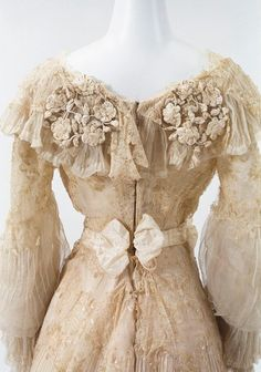 Detail of gown c. 1900 | From the Bunka Gakuen Costume Museum (Source: digmus.bunka.ac.jp) via The Ornamented Being