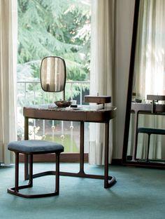 Maskara Coiffeuse/Desk detail, Transitional Bedroom Design at Cassoni.com