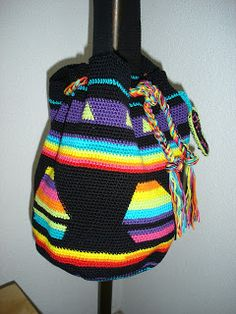 Free crochet pattern for basic shape of bag, add patterns and colors