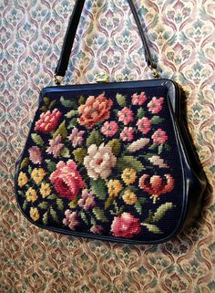 Needlepoint Purse. Beautiful. I want to do one of these, again once I'm better at it.