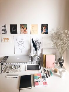 Work space, study space and desk inspiration Study Room Decor, Room Ideas Bedroom, Diy Room Decor, Bedroom Decor, Work Desk Decor, Study Rooms, Dorm Layout, Deco Studio, Study Corner