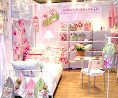 Google Image Result for http://grandrevivaldesign.typepad.com/grand_revival_design/images/2008/05/19/booth9_3.jpg
