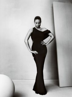 Amazing black dress  ** Queen Bey **