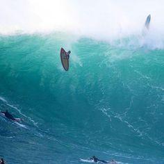 Did he make it?  Pic @wsl ========================= #beachwaves #bigwaves #wavesfordays  #kaossurfing #surfingiseverything #surfingplanet #surfingpictures #surfingquotes #surfingcanada #surfingbreak #surfingbanta #surfingsundays #surfingskate #switersurfing #surfingtomorrow  #surfinginthephilippines #surfingcamp #surfingfactory  #surfingsaturday #surfingecuador #surfingselfie Big Waves, Beach Waves, Surfing Quotes, Surfing Pictures, Oceans Of The World, Ecuador, Fitness Fashion, Places To Visit, Adventure