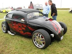 Beetle hot rod. Spettacolare-flame
