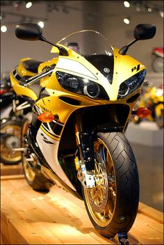 Yamaha YZF-R1 | Flickr - Photo Sharing!