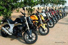 The Mojo Tribe Line up at the beach!  #MojoTribeMangalore #MoJoTribe #MahindraMojo #Mangalore
