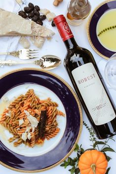 Italians are healthy because of their food preference. The American version of the pizza, lasagna and other foods are so far removed from the traditionally healthy Italian dishes. Wine Recipes, Cooking Recipes, Cooking Pasta, Cooking Tips, Organic Wine, Sweet Home, Wine Tasting Party, Fine Wine, Cheese Recipes