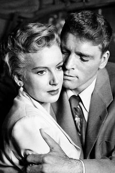 Deborah Kerr & Burt Lancaster in 'From Here To Eternity', 1953 - Directed by Fred Zinnemann. Old Hollywood Movies, Golden Age Of Hollywood, Vintage Hollywood, Hollywood Stars, Classic Hollywood, Dude Perfect, Lancaster, British Actresses, Actors & Actresses