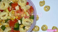 Sałatka z tortellini Tortellini, Fruit Salad, Pasta Salad, Ethnic Recipes, Food, Crab Pasta Salad, Fruit Salads, Essen, Meals