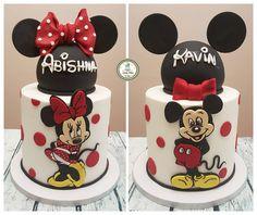 Mickey and Minnie cake i made for my niece and nephew. My favourite Mickey/Minnie cake so far :) Pastel Mickey, Mickey And Minnie Cake, Bolo Mickey, Mickey Cakes, Minni Mouse Cake, Minnie Mouse Birthday Cakes, Mickey Mouse Birthday, Fondant Cakes, Cupcake Cakes