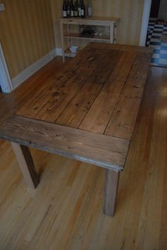 40 Free DIY Farmhouse Table Plans to Give the Rustic Feel to Your Dining Room Add the warm rustic feeling to your house with the farmhouse style table. Here's a collection of 40 free DIY farmhouse table plans and ideas. Do It Yourself Furniture, Do It Yourself Home, Rustic Furniture, Diy Furniture, Furniture Plans, Woodworking Furniture, Furniture Design, System Furniture, Cottage Furniture