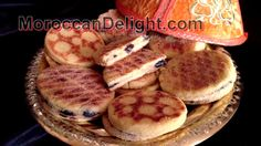 Harcha Moroccan semolina bread,حرشة مغربية بالزيتون و الجبن ,harcha galette marocaine à la semoule