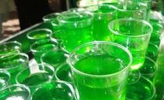 It's the taste of the County Fair in a jello shot with a bit of a kick!  Caramel Apple Jello Shots Knox gelatin 1/3 cup Butterscotch Schnapps 1/3 cup Sour apple Schnapps Jello shot cups In a large ...