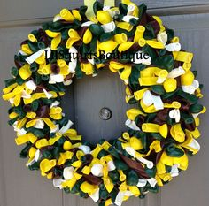 Greenbay Packers themed balloon wreath.