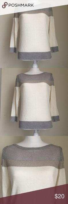 """White House Black Market Women's Knit Top Sz S White House Black Market Women's Sweater Top Sz S Metallic 3/4 Sleeve Measurements (approximate) Pit to pit: 18"""" Length:31.5"""" This top is in a great preowned condition White House Black Market Tops"""