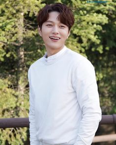 Image may contain: 1 person, standing, tree and outdoor Asian Actors, Korean Actors, Kwak Dong Yeon, Kim Myungsoo, Love Posters, Woollim Entertainment, Kdrama Actors, Perfect Boy, Lee Jong Suk
