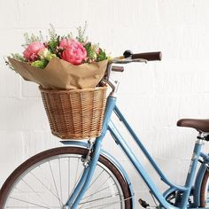 Flowers in my bike. Again. Because this is pretty much my life in the Spring time!!