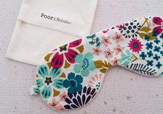 Antifaz para dormir de algodón orgánico Organic cotton sleeping mask - Eco-friendly eye mask - Vegan gift for women - Flowers nature pattern - Garden design Buy it on @etsy