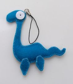 Maja Hansen/Håndarbejdsom: Skabelon til Loch Ness Free Blog, Dinosaur Stuffed Animal, Crafts For Kids, Projects To Try, Nightingale, Creative, Nest, Craft Ideas, Animals