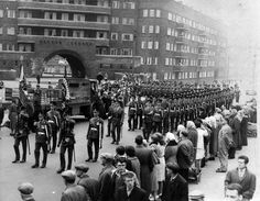 18 May 1962, King's Regiment soldiers at the start of a march near Gerard Gardens through Liverpool City Centre