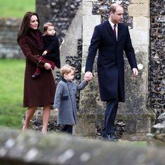 .Christmas 2016   Prince William, Duchess of Cambridge, Prince George & Princess Charlotte.