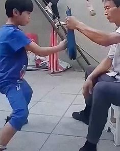 Subscribe to @master.of.martial.arts to not miss future interesting videos:) #warrior #stick #losangeleslife #sanfranciscolife #losangeles_city #chicagolife #chicagocity #nylife #newyorklife #newjerseylife #brooklynlife #bronxlife #kungfuworld #kungfupanda #kungfulife #kungfu #wushu #mmatraining #kungfustyle #chinamartialarts #kungfumaster #martialarts #shaolinkungfu #wushulife #botrainingdyhealth #lifestyleofawarrior #wushu #martialartsstudent #shaolin #shaolintemple Martial Arts Training Equipment, Martial Arts Workout, Boxing Workout Routine, Biceps Workout, Self Defense Moves, Self Defense Martial Arts, Karate Boy, Shaolin Kung Fu, Acrobatic Gymnastics