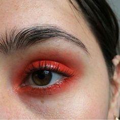 glossy red eye make up