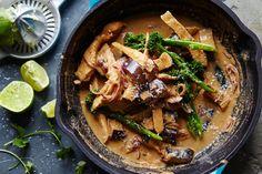 Asian Recipes, New Recipes, Dinner Recipes, Cooking Recipes, Healthy Recipes, Skillet Recipes, Dinner Ideas, Savoury Recipes, Asian Food Recipes