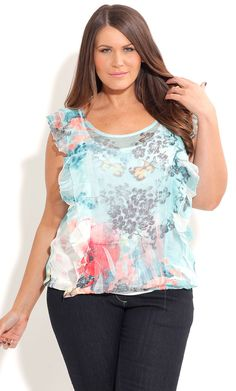 This cute crushed top features scoop neck, frilled detail on shoulder and bodice, floral print, elasticised hem line and is made from super stretchy material. Plus Size Fashion For Women, Plus Size Women, Fashion Story, Fashion Outfits, City Chic, Plus Size Blouses, Curvy Fashion, Get Dressed, Spring Fashion