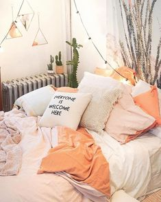 College dorm room 00025 в 2019 г. decór dorm room, bedroom d Cozy Bedroom, Bedroom Inspo, Bedroom Decor, Bedroom Ideas, Decoration Inspiration, Room Inspiration, Dream Rooms, Dream Bedroom, My New Room