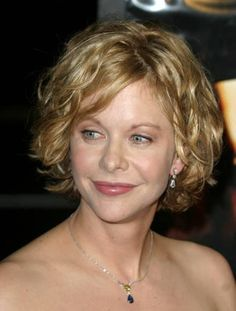 Warmer some might even call this a bit brassy but it looks nice with her skin tone. Meg Ryan an Autumn Earth. Short Wavey Hair, Short Wavy Bob, Very Short Hair, Really Curly Hair, Curly Hair Cuts, Short Hair Cuts, Curly Hair Styles, Wavy Hair, Meg Ryan Hairstyles