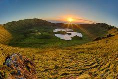 Durante o verão, no hemisfério Norte, a luz nem sempre é a melhor para a maioria…