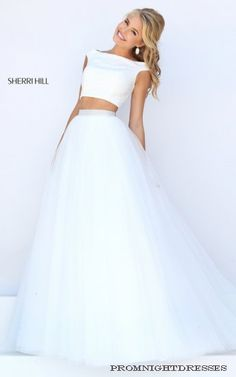 This angelic Sherri Hill dress would be perfect for any prom princess!