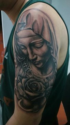 Tattoo Virgen de la Piedad de Miguel Ángel Mary Tattoo, I Tattoo, Miguel Angel, Tattoo Virgen, Norse Tattoo, Tattoos For Guys, Tatoos, Christ Tattoo, Armour