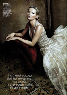 A May 2009 Vogue Magazine cover is the exceptional one. It is because the three stars: Kate Moss, Marc Jacobs and Justin Timberlake have teamed up to have been photographed by a fourth star - Annie Leibovitz. Kate Moss, Annie Leibovitz Photography, Portrait Photography, Fashion Photography, Vogue Us, Tulle Gown, Poses, Vogue Fashion, Portrait Inspiration