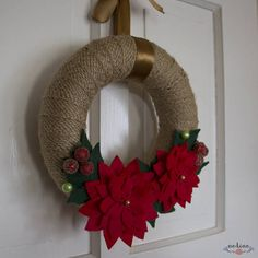 This article is not available. Crochet Christmas Wreath, Xmas Wreaths, Christmas Decorations To Make, Christmas Mood, Felt Christmas, Christmas Crafts, Christmas Ornaments, Wreath Crafts, Diy Wreath