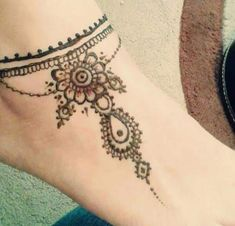 Henna Mehndi tattoo designs idea for ankle Cupid Tattoo, Tattoo Platzierung, Tattoo Band, Mehndi Tattoo, Tatoo Art, Horus Tattoo, Henna Mehndi, Mehendi, Small Tattoo Placement