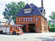 Detroit Fire Department, Engine Company Engine No.18/Ladder No. 10 | Shared by LION