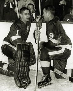 Gordie Howe Photograph - Vintage & Terry Sawchuck 7 X 9 Wire Hockey Room, Women's Hockey, Hockey Games, Baseball, Red Wings Hockey, Wayne Gretzky, Vancouver Canucks, Detroit Red Wings, Sports Pictures