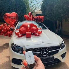Luxury life on Insta Mercedes Auto, Mercedes Stern, Mercedes Girl, Carros Vw, Lux Cars, Car Goals, Future Car, Future Goals, Car Car