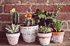 Pretty Lace Flower Pots   30 DIY Lace Projects