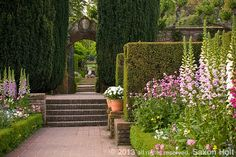 Saxon Holt's fantastic shot of Filoli historic estate in California – I keep looking at this picture and dreaming.