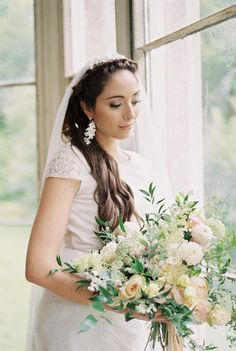 soft and relaxed beachy waves wedding hairstyles for brides with long hair. Photo by Cristina Ilao www.cristinailao.com Wedding Bun, Wedding Looks, Wedding Bouquet, Loose French Braids, Wedding Hair Inspiration, Beachy Waves, Best Wedding Hairstyles, Bridal Hair And Makeup, Hair Photo