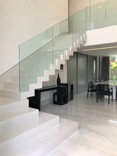 Discover recipes, home ideas, style inspiration and other ideas to try. Staircase Design Modern, Home Stairs Design, Modern Stairs, Interior Stairs, Home Room Design, Dream Home Design, Modern House Design, Home Interior Design, Modern Mansion Interior