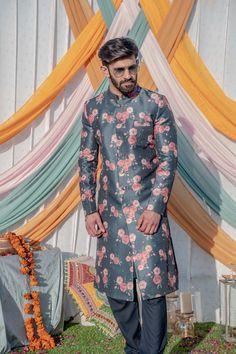 Wedding Dresses Men Indian, Wedding Outfits For Groom, Wedding Dress Men, Boho Wedding, Farm Wedding, Wedding Couples, Wedding Reception, Mens Sherwani, Wedding Sherwani