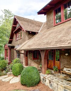 South Carolina Lake House Cabin - Rustic and Timeless Cabin Decorating Ideas