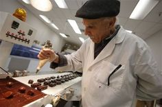 Article: Chocolate Lovers Delight: Bend now has 5 chocolatiers, Oregon has 32 (C / O / USA)